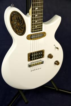 Universum Guitars Maria HRH