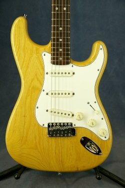 Fender Stratocaster ST-71 Ash