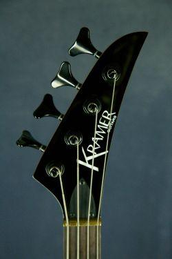 KRAMER Striker 422S Black