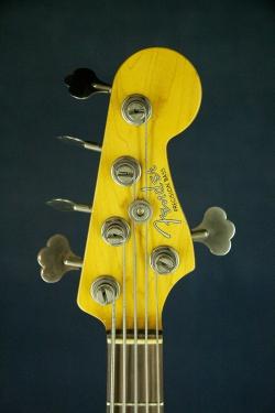 Fender Precision Bass - 5